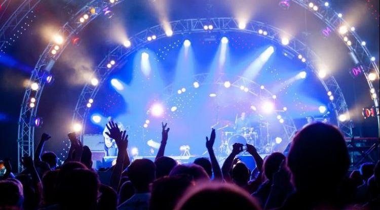 فرهنگ هواداری در صنعت موسیقی چگونه است؟